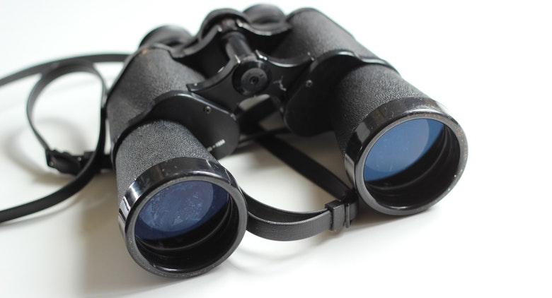 binoculars-old-antique-equipment-55804
